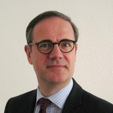 Professor Bernhard Ebbinghaus is a Senior Research Fellow of Green Templeton College. He is Professor of Social Policy and Head of Department at the Department of Social Policy and Intervention, University of Oxford.