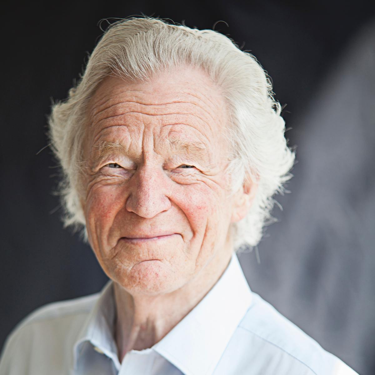 Sir Muir Gray CBE is an Emeritus Fellow of Green Templeton College.